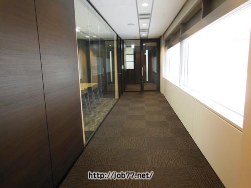 アクシスコンサルティングの廊下