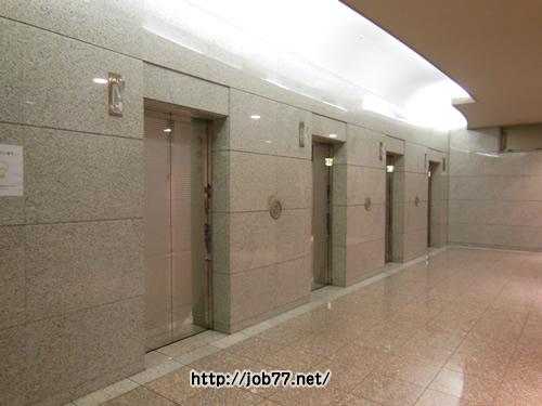 麹町クリスタルシティ東館1階のエレベーター