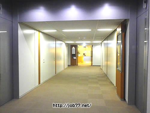 クリーデンスへ続く廊下