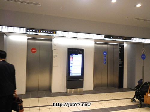 ヒカリエ内のエレベーター