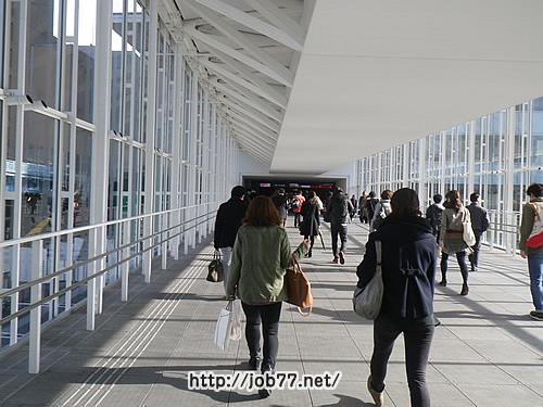 渋谷駅から渋谷ヒカリエへの連絡通路