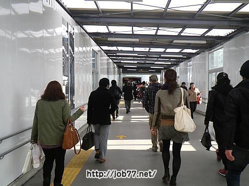 渋谷駅から渋谷ヒカリエに続く通路